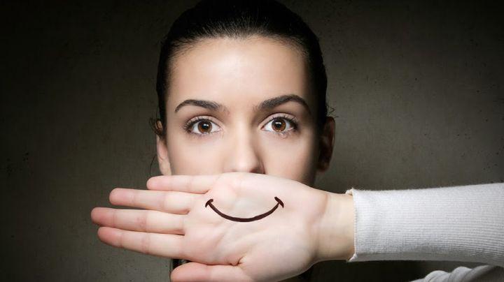 La depresión podría ser provocada por el hipotiroidismo, detéctala con estos síntomas
