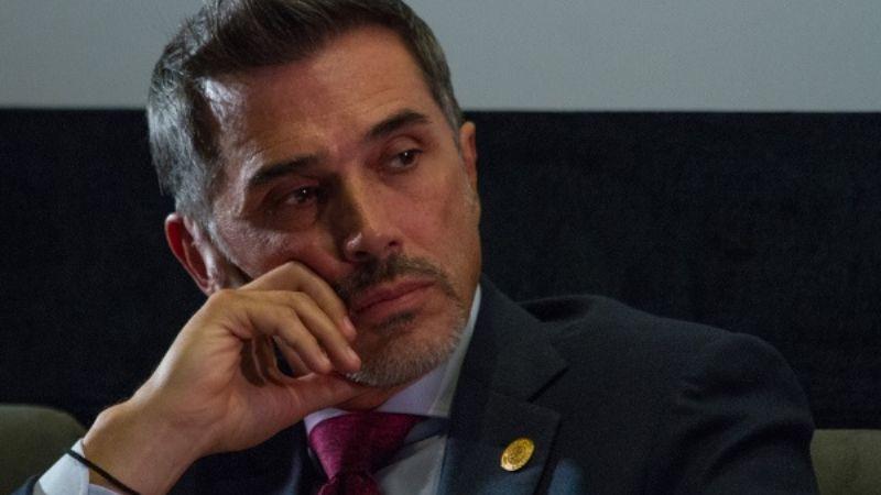 """Redes destrozan a Sergio Mayer por 'burlarse' de la violencia: """"Pésimo mensaje, quiere fama"""""""