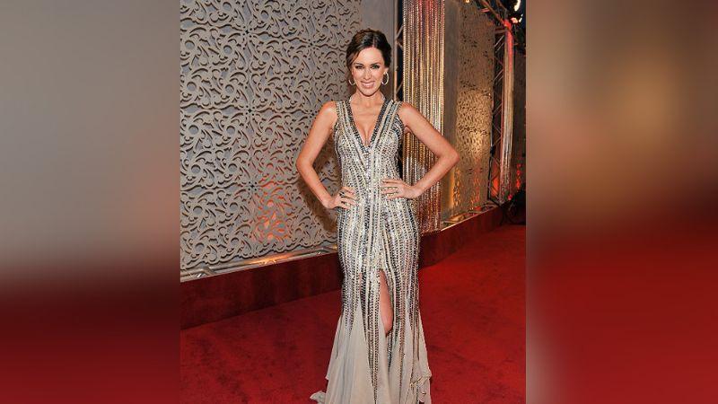 La exreina de belleza mexicana, Jacky Bracamontes, conquista al público de Miss Universo 2021