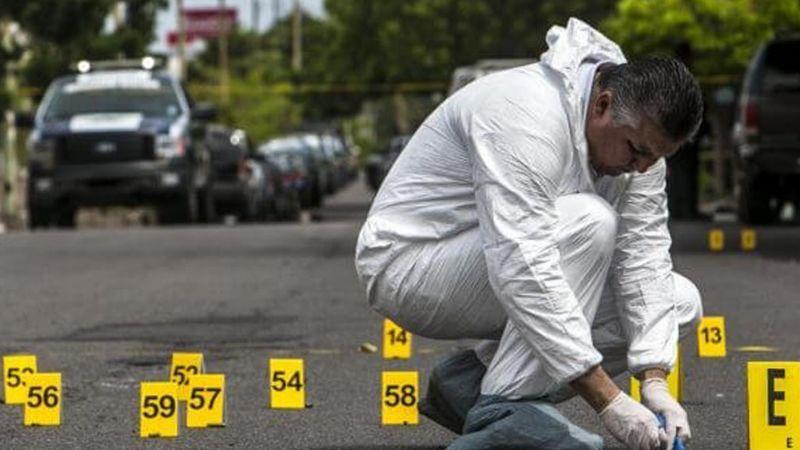 A altas horas de la madrugada, un hombre es asesinado por calles de Acapulco