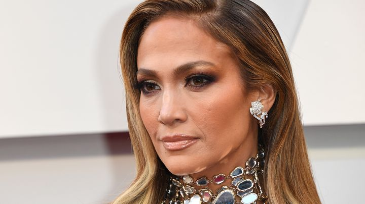 ¡Deslumbrante! Jennifer Lopez conquista Instagram con espectacular y revelador atuendo