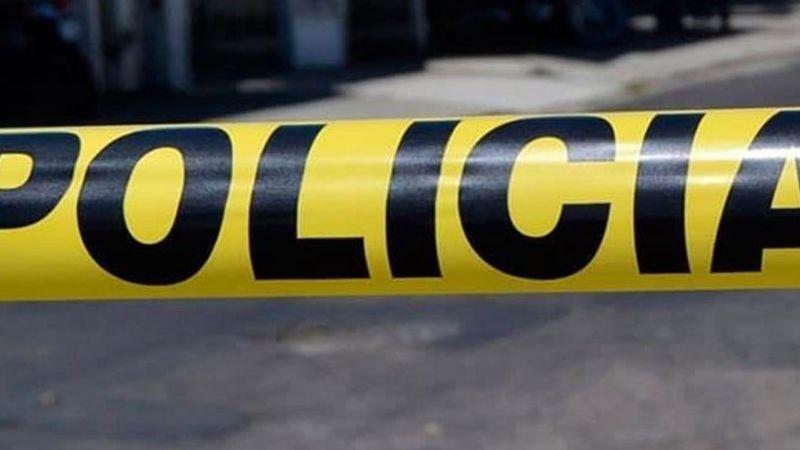 Policía es asesinado a balazos en plena vía pública; le dejaron un narcomensaje