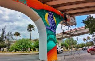 Puente en Nogales se vuelve el lienzo de los murales de seis artistas sonorenses