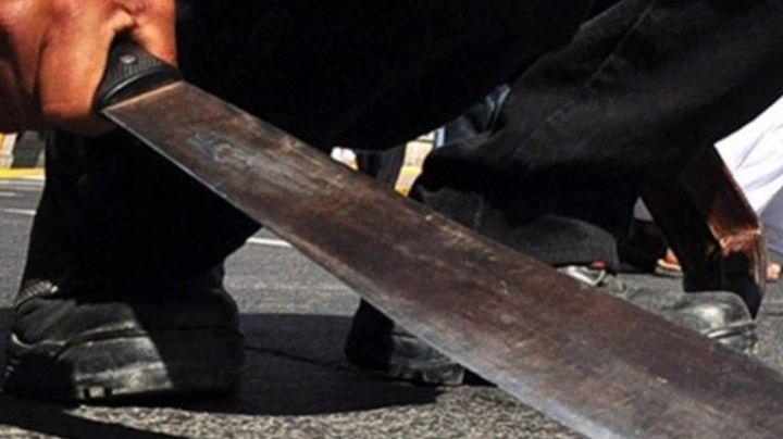 Terror en Ciudad Obregón: A plena luz del día, sujeto roba gasolinería; atacó con un machete