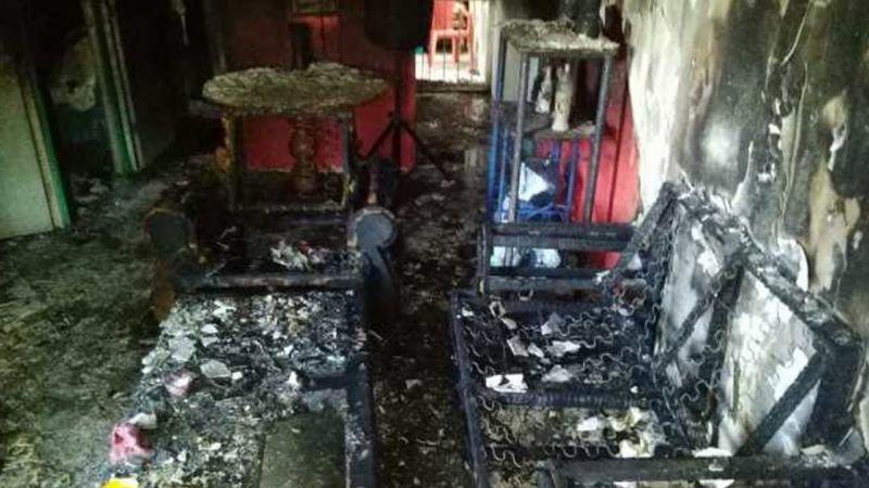 Rescatan a niños encerrados por sus padres de incendio en Nayarit