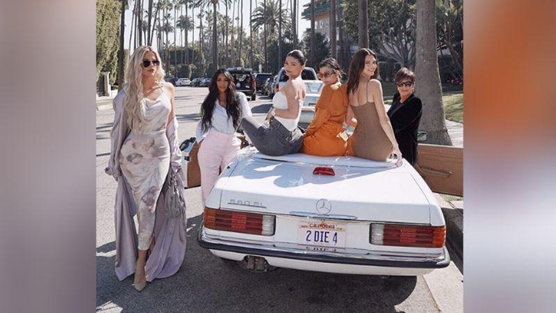 "Kylie Jenner llama ""per... mala"" a Kris Jenner durante salida a cena familiar"