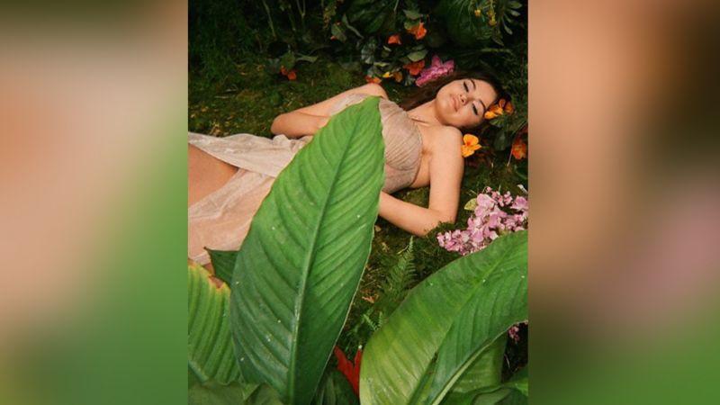 """Tras lanzar nuevo álbum, Selena Gomez estrena videoclip de 'Rare': """"Hermoso"""""""