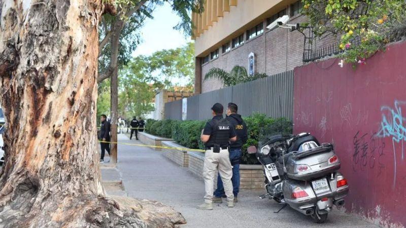 Arrestan al abuelo del niño que disparó contra maestros y alumnos en Torreón