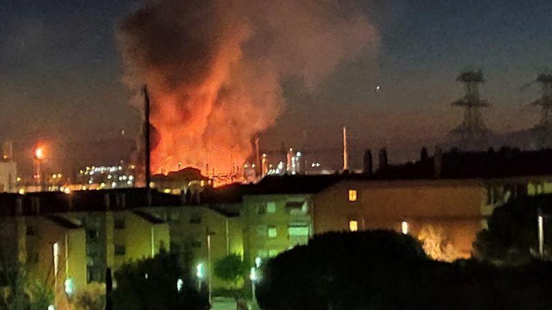 VIDEOS: Violenta explosión en planta química causa alarma en España