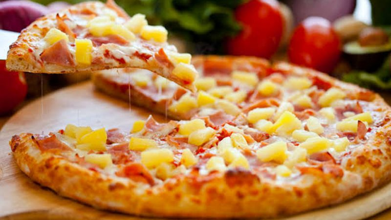Pizza con kiwi es inventada y varios internautas ya la odian