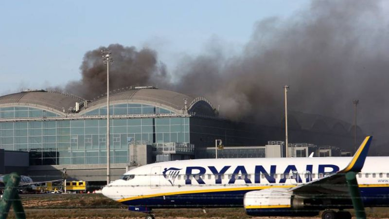 Incendio en aeropuerto de Alicante activa alarmas y causa evacuación
