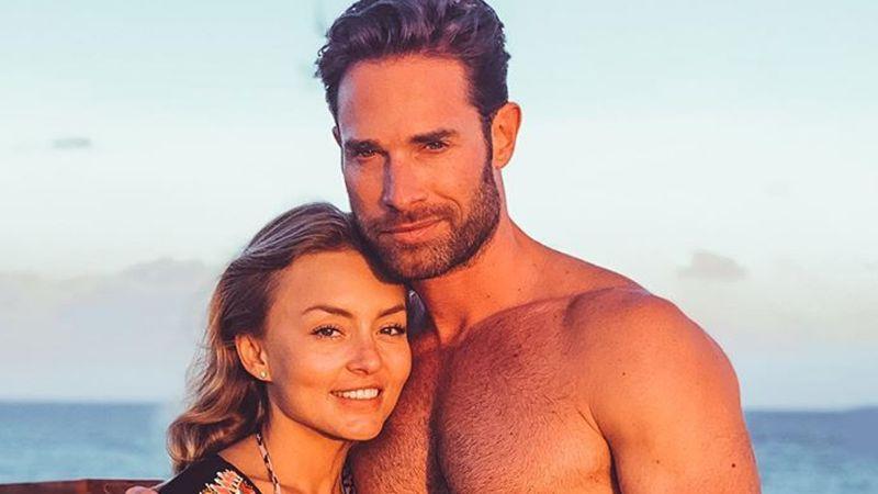 La chica del bikini azul: Angelique Boyer presume bronceada figura en la playa