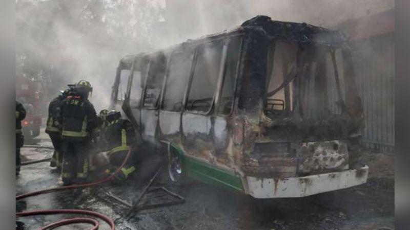 CDMX: Microbús explota en Coyoacán y deja 4 personas heridas