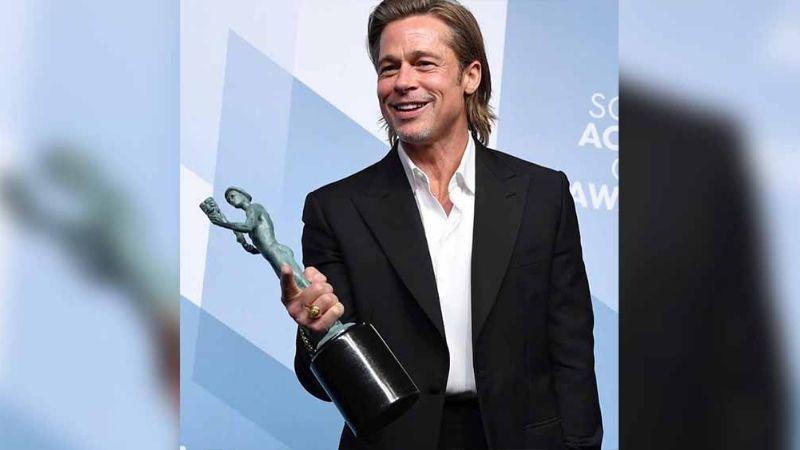 VIDEO: Brad Pitt admite que usa Tinder y causa la locura en los SAG Awards