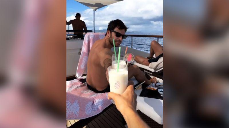 Sol, mar, arena y familia: Así fue el inicio de un nuevo año para Ricky Martin