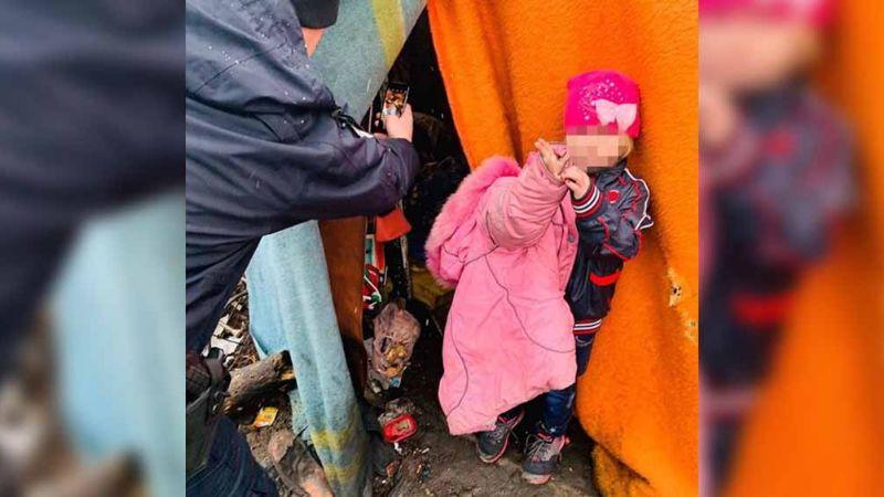 Hombre abandona a su hija entre basura en Navidad; la había sacado de orfanato