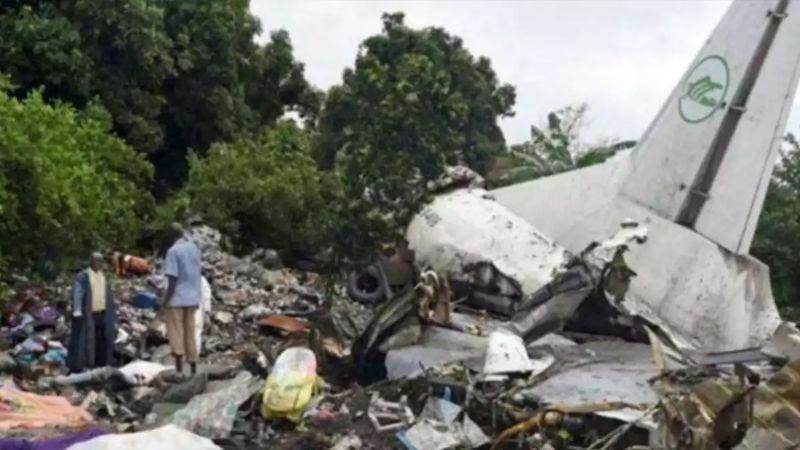 Accidente de avión militar deja 18 muertos, entre ellos varios civiles