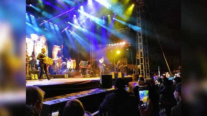 Yahir deja a Álamos 'Alucinado' con su primer concierto en el FAOT 2020