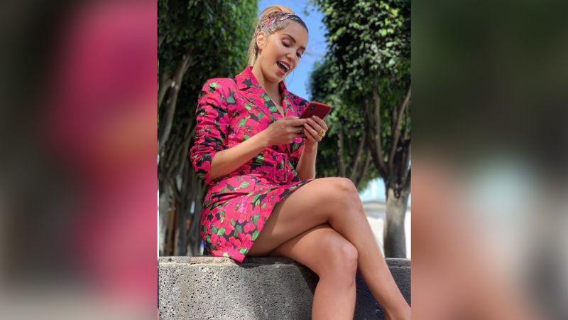 Andrea Escalona alegra el Blue Monday al enseñar pierna con short 'cachetero'