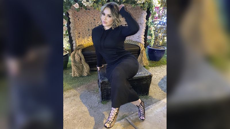 Chiquis Rivera roba miradas con su extravagante 'outfit' al arribar a Miami