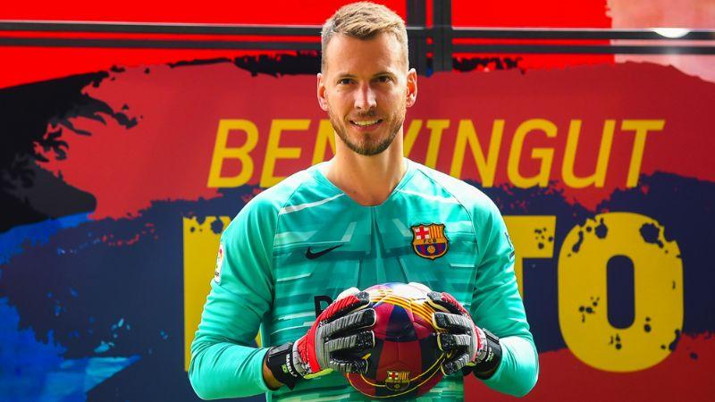 Barcelona reporta la lesión del portero Neto; sufrió un esguince de tobillo