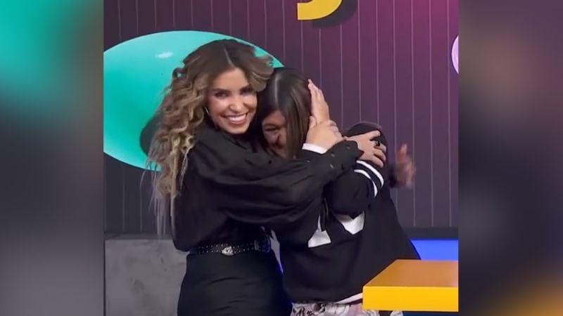 """""""¡Ay!"""": En pleno show, Andrea Escalona se cachetea a Martha Figueroa"""