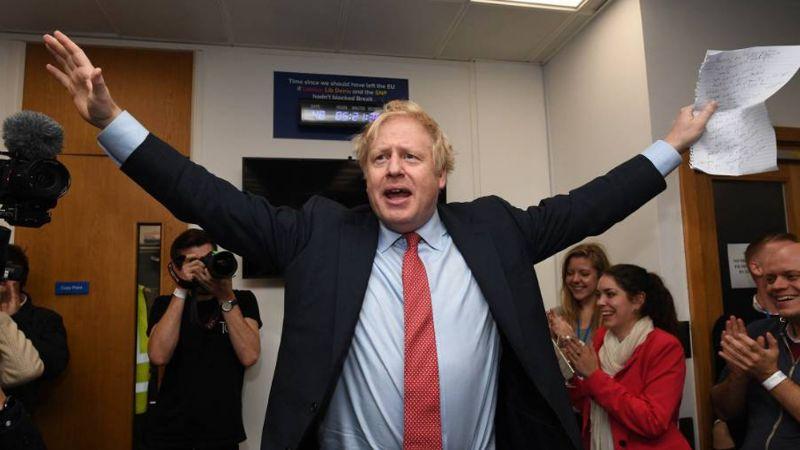 Boris Johnson firma acuerdo de Brexit y Reino Unidosale de laUnión Europea