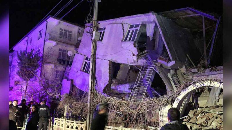 Sismo en Turquía: Van 14 muertos y 300 heridos tras aterradora sacudida