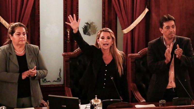 Jeanine Áñez anuncia que contenderá por la presidencia de Bolivia