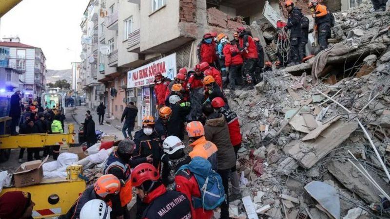 Nueva alerta: Sismo de magnitud 5.1 golpea Turquía; van 28 muertos