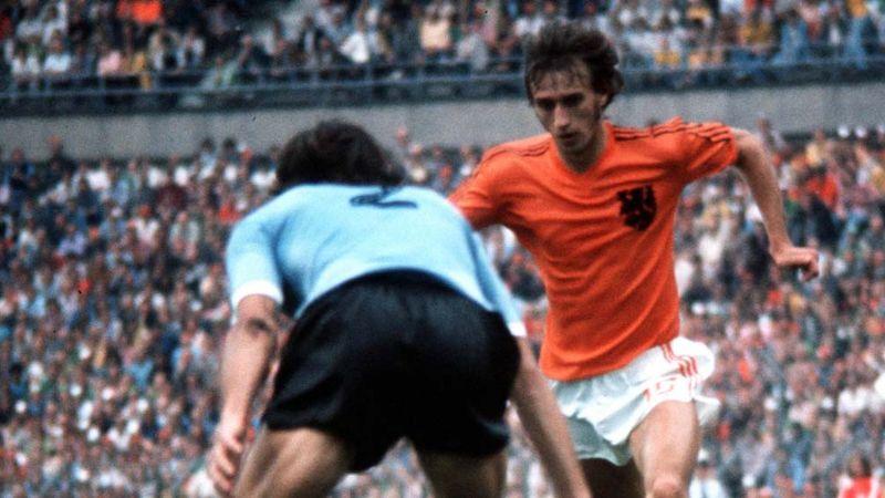 Muere Rensenbrink, legendario jugador holandés, por una atrofia muscular