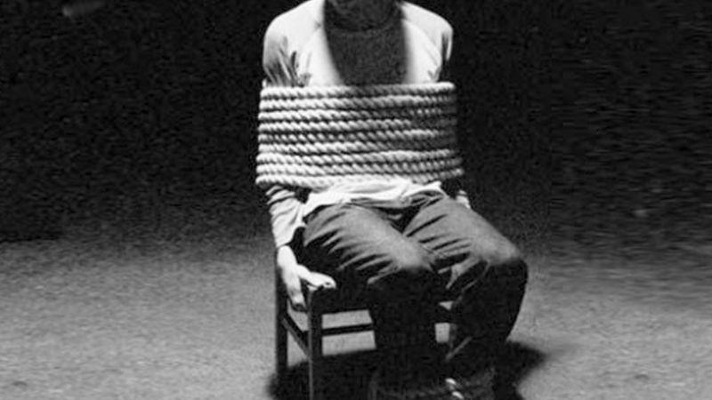 FUERTE VIDEO: Cártel del Noreste interroga y tortura a narcomenudista