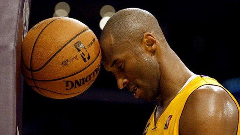 VIDEO: Spurs y Raptors rinden homenaje a Kobe Bryant durante juego