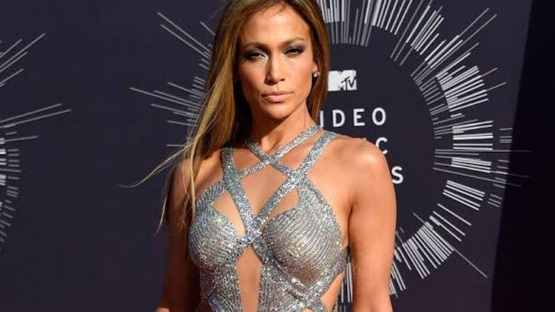 Internautas viralizan la imagen de Jennifer Lopez sin Photoshop