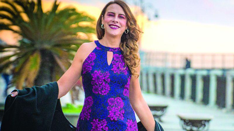 Karla Sofía Gascón presume sus senos en Instagram tras colocarse implantes