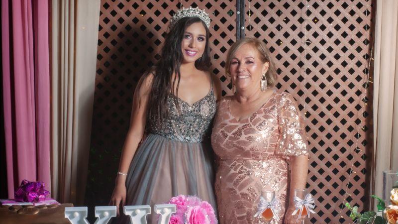 Arlette Alejandra Salomón Sandoval brinda en honor a sus XV primaveras