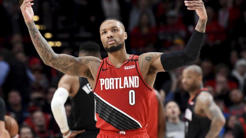 Triple doble de Lillard en victoria de Blazers sobre Rockets