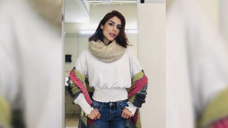 ¡Asombrosa! María León enamora a sus fanáticos al bailar en el tubo