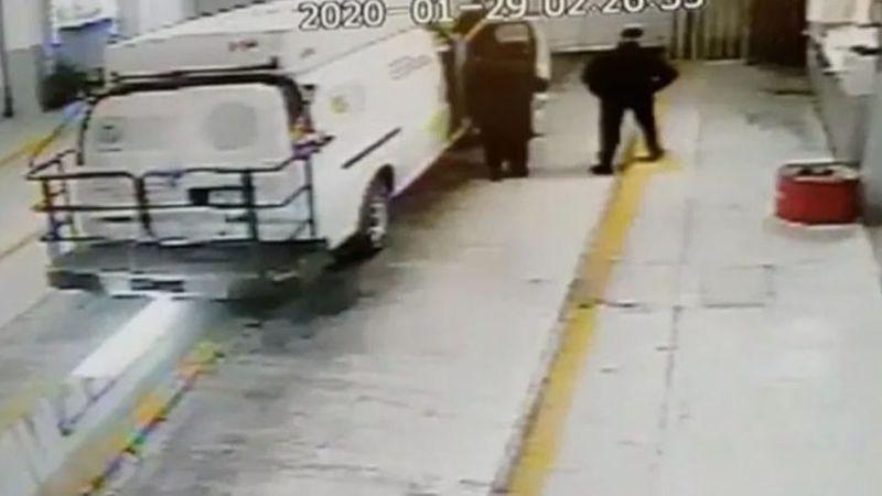 VIDEO: Captan la fuga de operador del 'Chapo' en camioneta del Reclusorio Sur