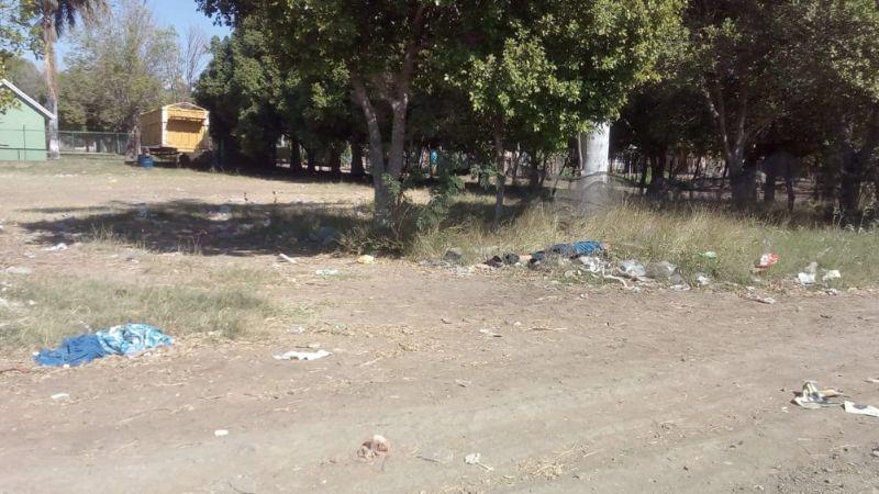Agentes hallan cadáver abandonado de inmigrante en predio de El Fuerte