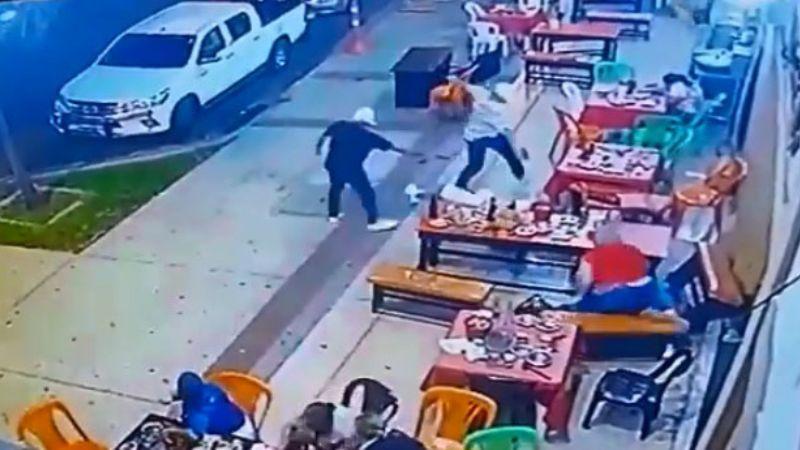 VIDEO: Cámara de restaurante capta el momento en que ejecutan a cantante
