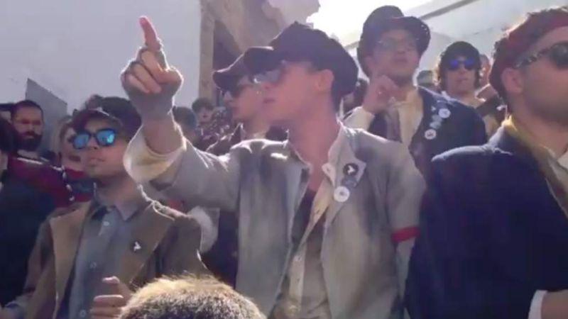 Al estilo de 'Un violador en tu camino', hombres protestan contra el acoso