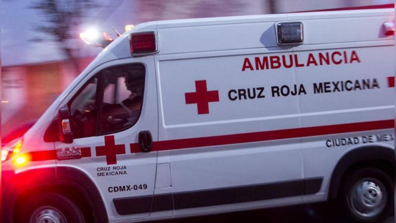 Muere joven al arrojarse desde un puente; después fue arrollado por auto