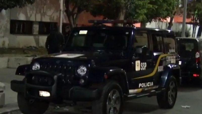 CDMX: En zona de 'franeleros', asesinan a hombre con bote de concreto