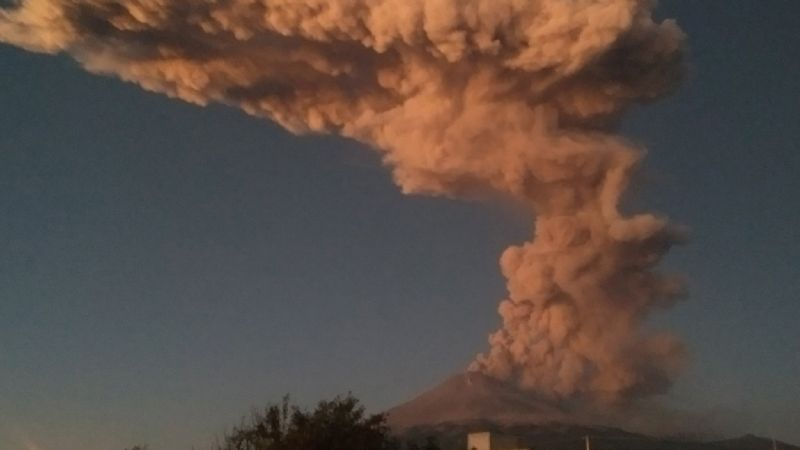 VIDEO: El Popocatépetl entra en acción con una espectacular explosión