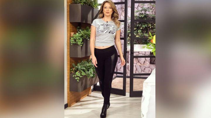 Conductora de Televisa se roba las miradas al aparecer con 'ajuste' en foro de 'Hoy'
