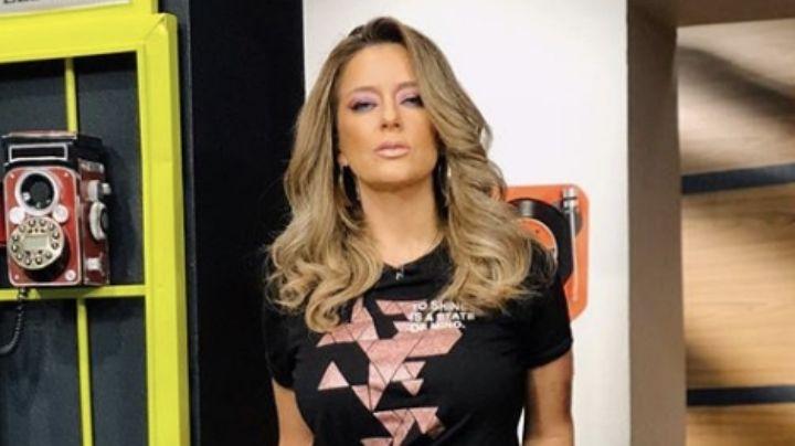 ¡Guapísima! Karla Gómez alegra el foro de Televisa al lucir increíble vestido en 'Hoy'