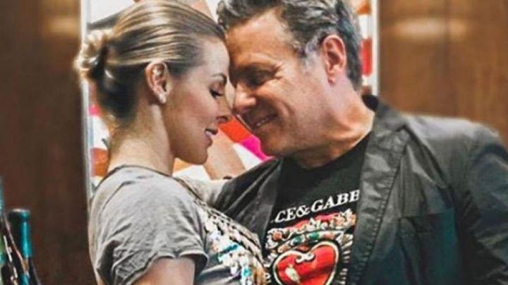 Alexis Ayala se muestra más enamorado que nunca y celebra 12 años junto a su esposa