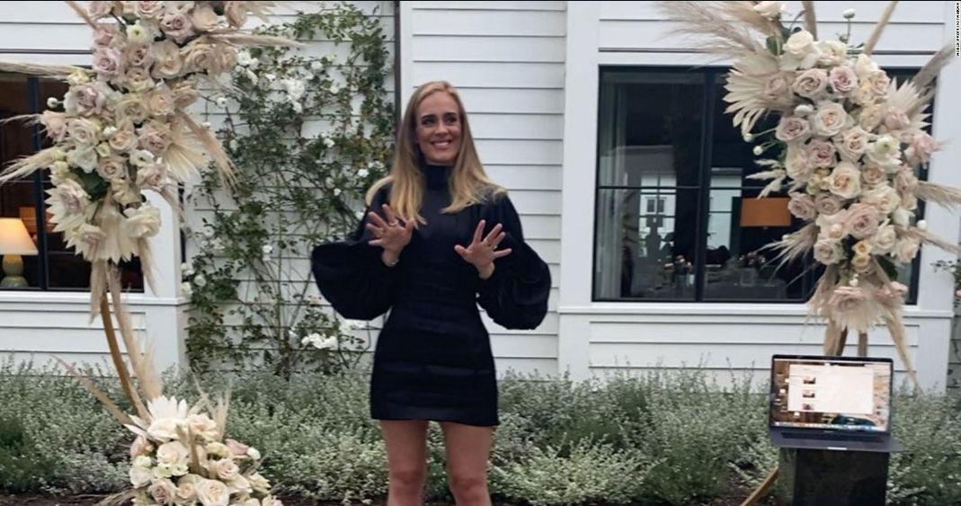Adele regresa a los escenarios