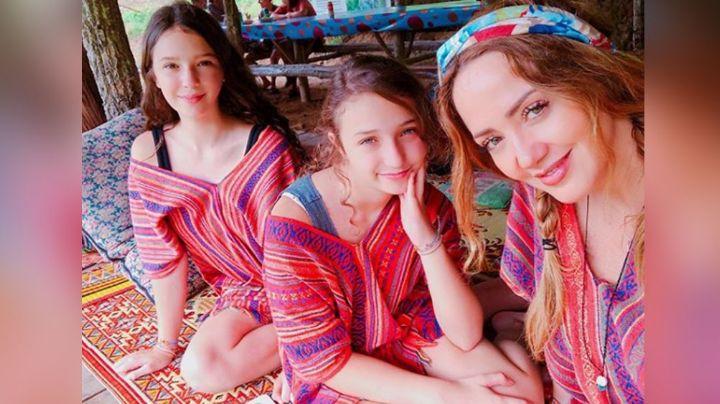 Andrea Legarreta alborota las redes al presumir foto de Mia y Nina Rubín en la playa